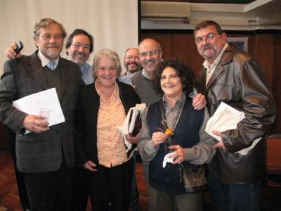 Con la Senadora Topolansky, artistas, científicos, informático y fotógrafo